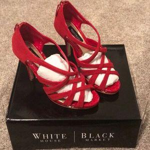 NEW WHBM red staple heel.  Sz 7 New in box!!